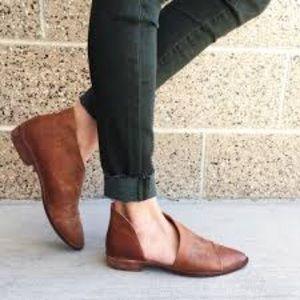 Shoes - Cognac Royale Flats